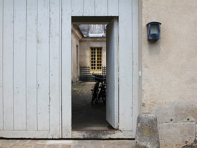 PARIS-MENSWEAR-FASHION-WEEK-SS14-VERSAILLES-03